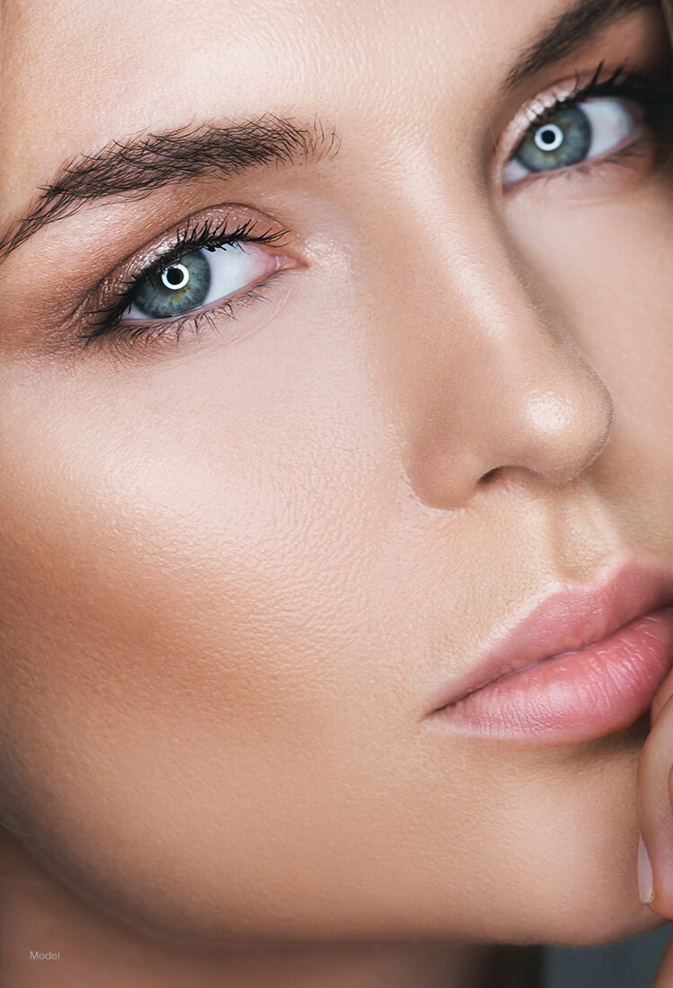Close op of a woman with blue eyes